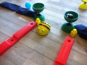 hjemme bygget robot bygget af barn